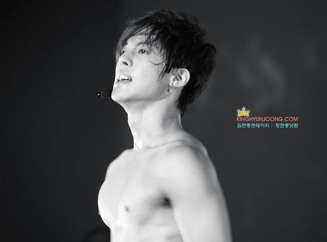Kim Hyun Joong Shirtless and With Muscles